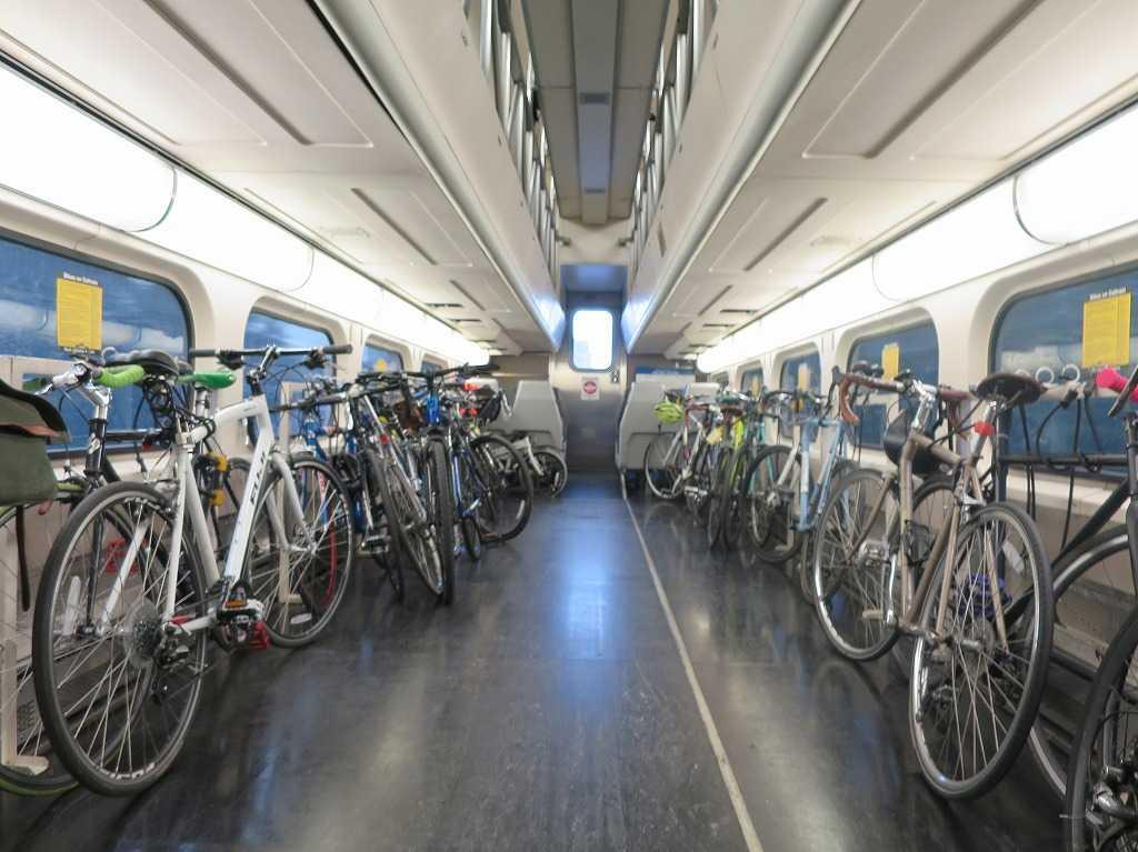 カルトレイン車両内 - 自転車収納スペース