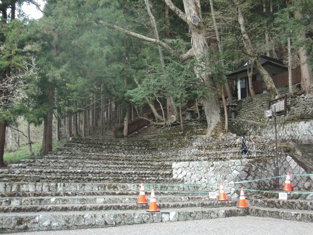 檜枝岐歌舞伎の客席(石段)