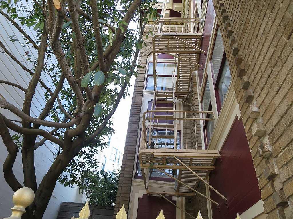 サンフランシスコ - ビルの外階段