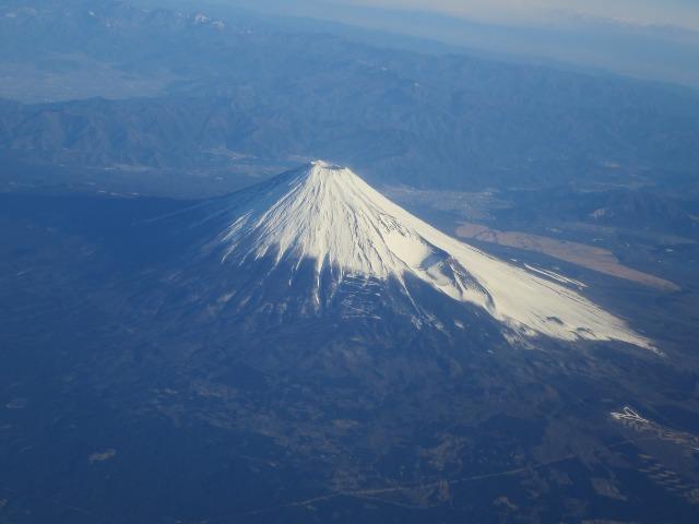 左右対称のうつくしい形の富士山