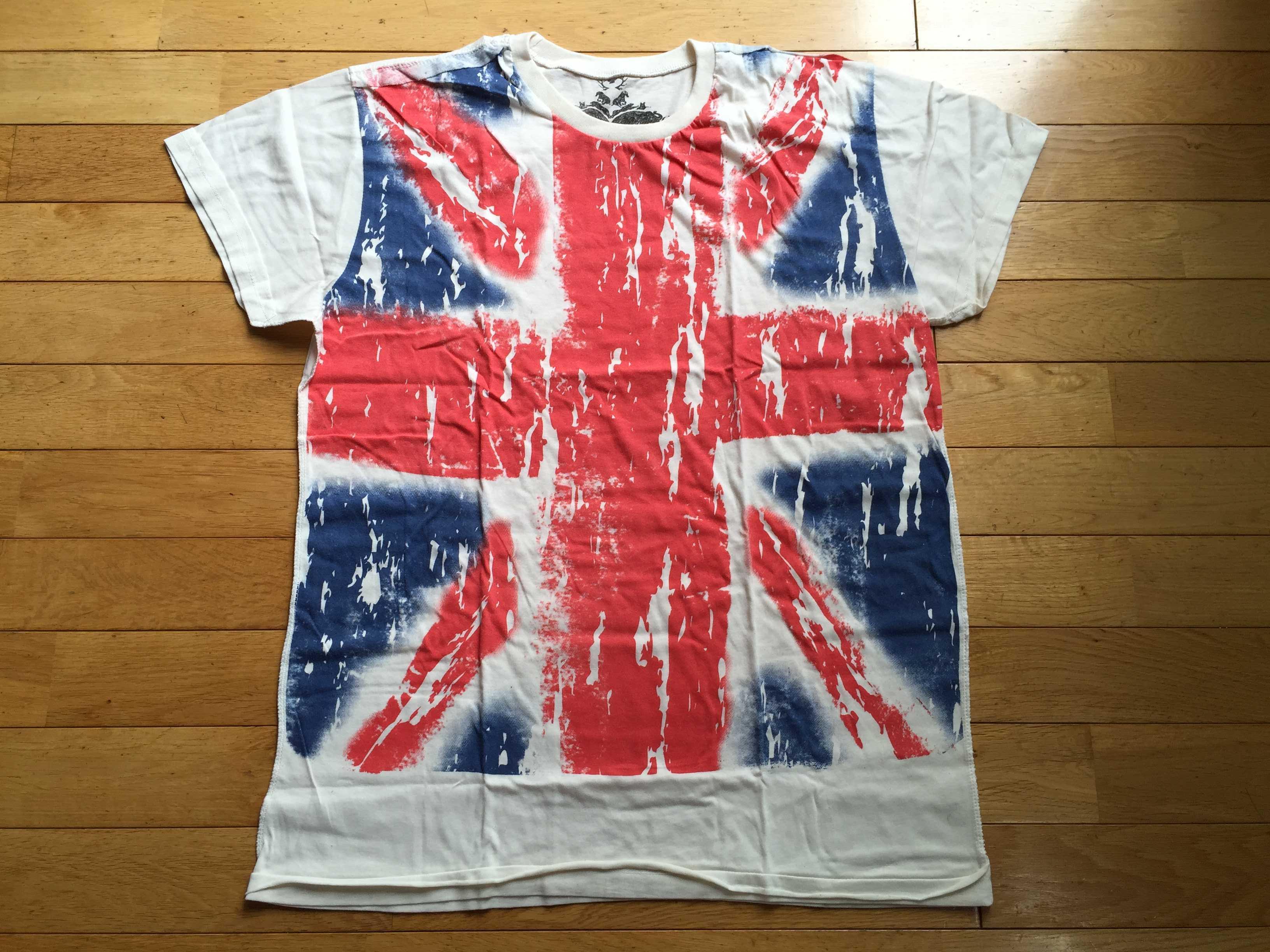 ユニオンフラッグのロックTシャツ