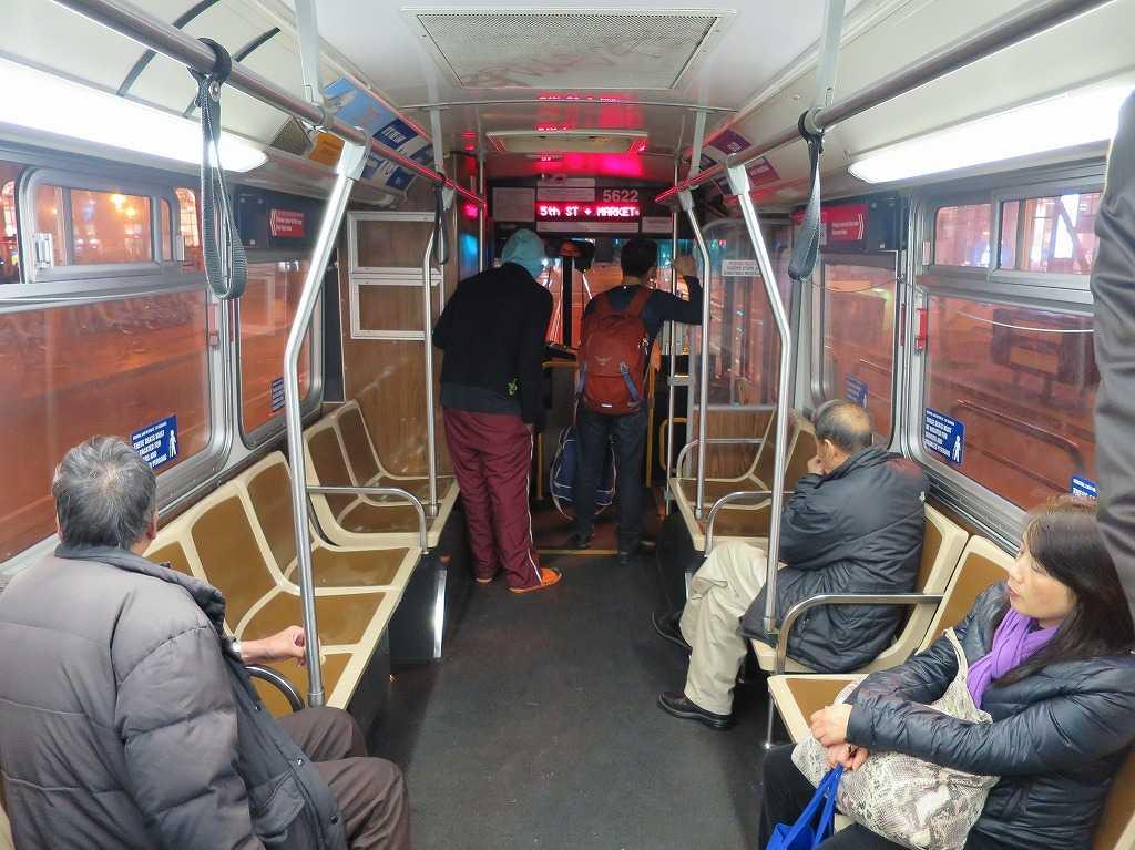 サンフランシスコ - バスの車内