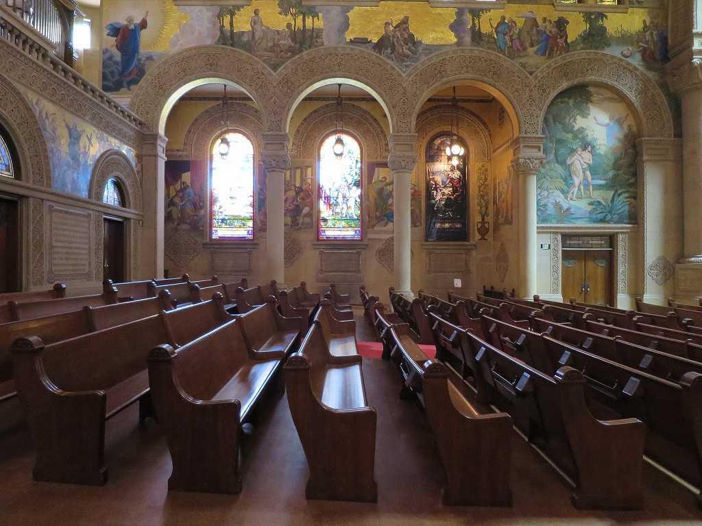 スタンフォード大学 - 教会内部