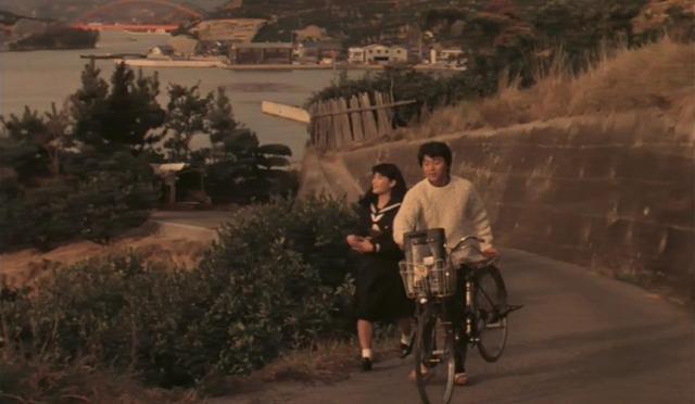 「さびしんぼう」尾道の坂道を上る 16歳の富田靖子