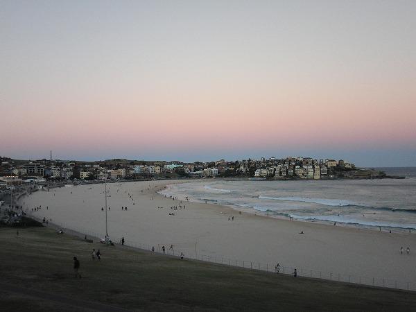 オーストラリア・シドニー  ボンダイ・ビーチ(Bondi Beach)の夕暮れ
