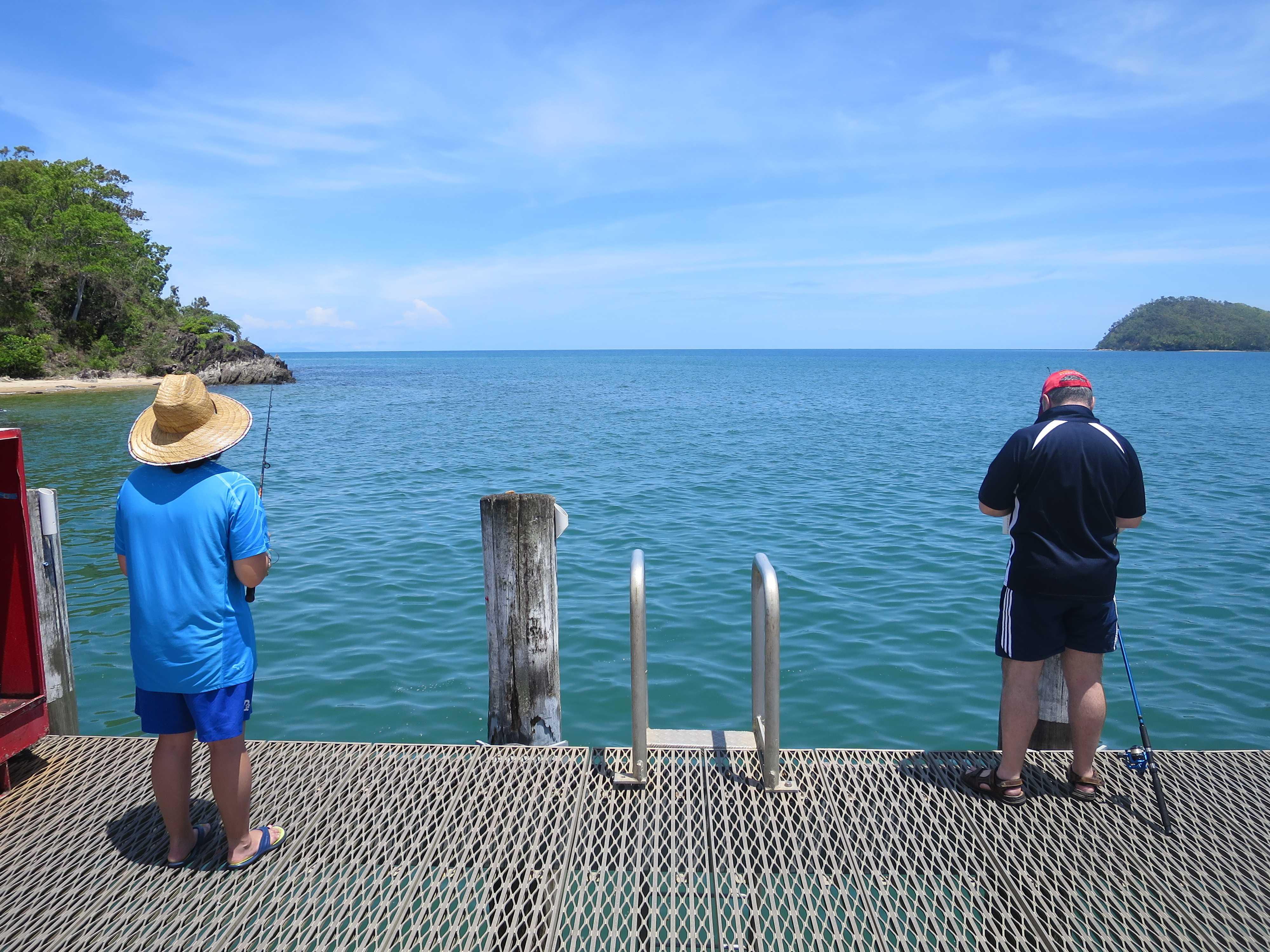 パームコーブビーチ - 釣り人