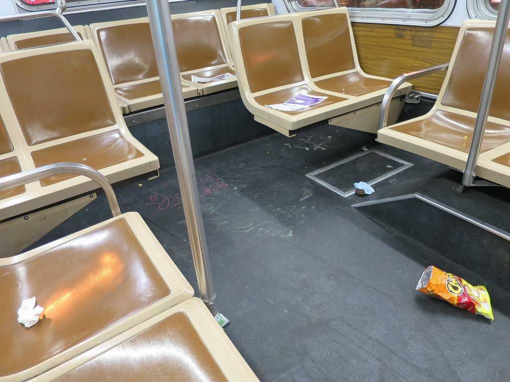 サンフランシスコ - 深夜のバスの車内