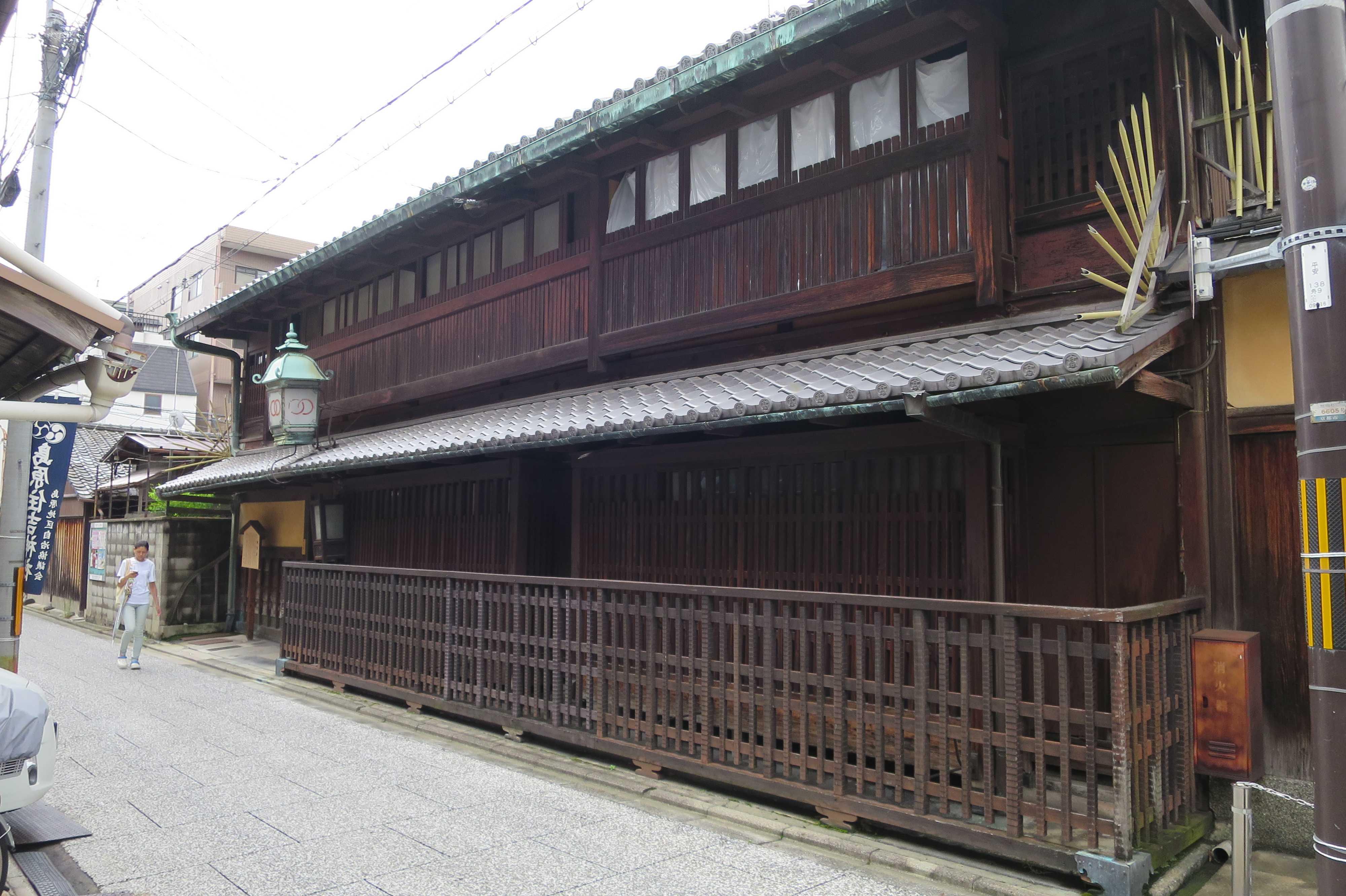 京都 - 置屋建築の輪違屋(わちがいや)