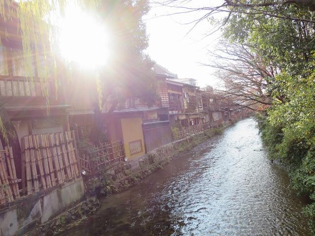 巽橋から見た祇園白川