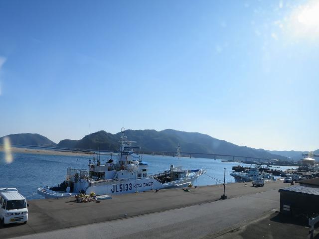 高知の名もなき漁船
