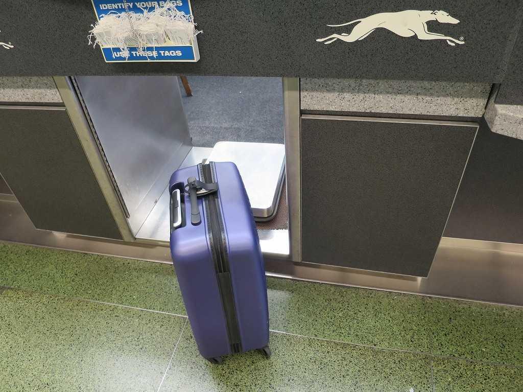 グレイハウンド - 手荷物のチェックイン