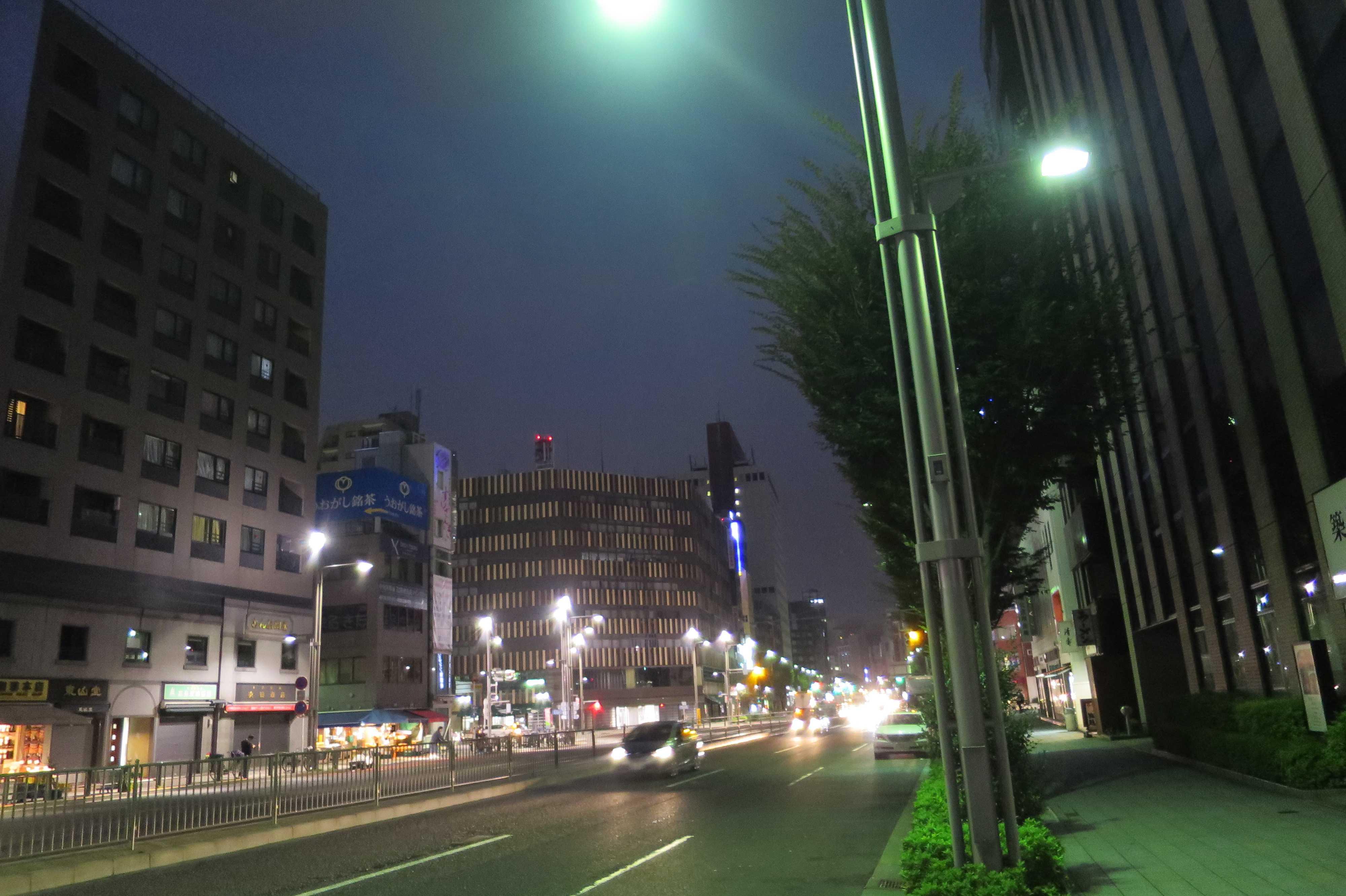 築地エリア - 晴海通りと築地KYビル