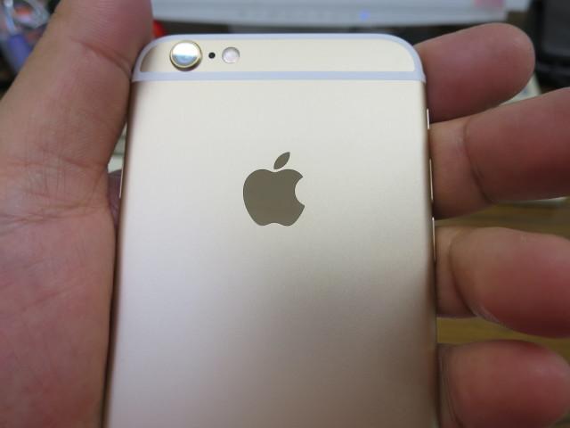 Apple の iPhone 6 16GB ゴールド(SIMフリー版)を買いました!