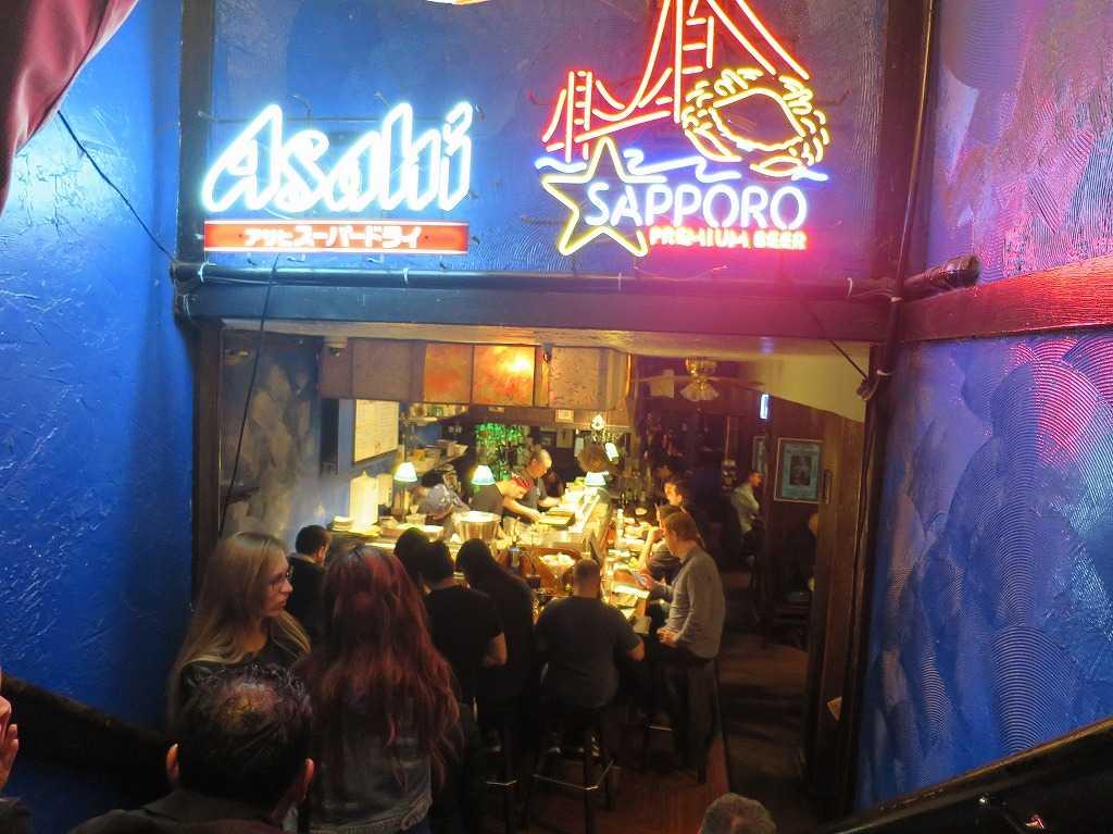サンフランシスコ - 日本食レストラン、超満員で長蛇の列