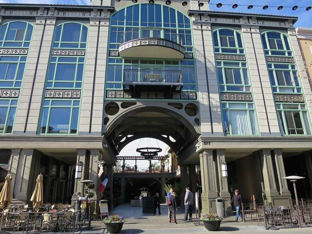 サンノゼ - サンタナ・ロウのおしゃれな建物
