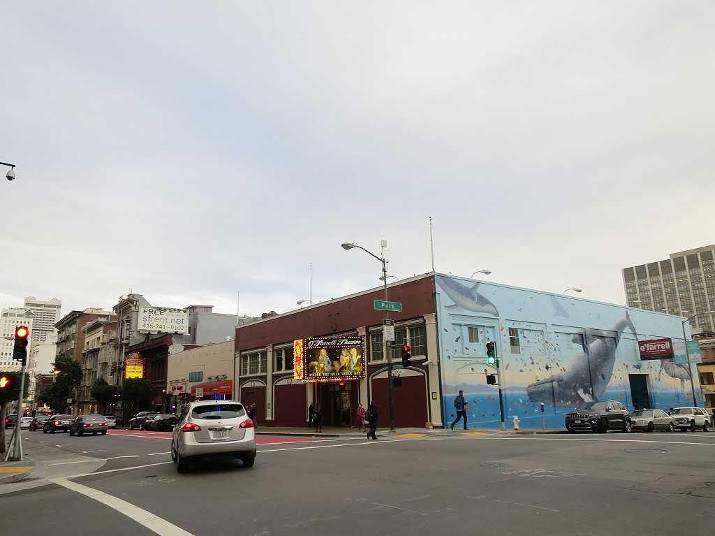 サンフランシスコ - オファレル・ストリート(O'Farrell St)とポーク・ストリート(Polk St)の交差点
