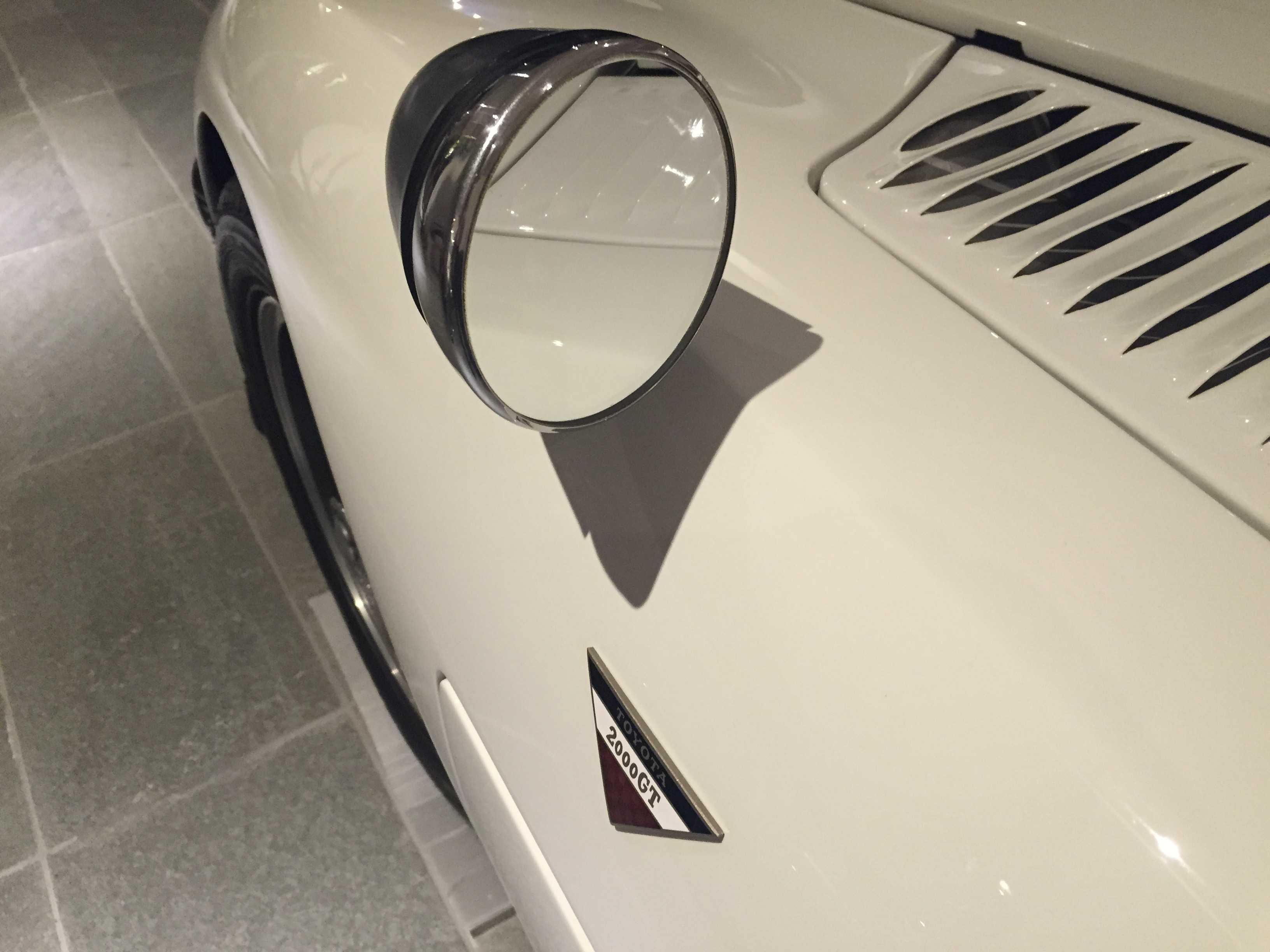 トヨタ 2000GTのサイドミラー