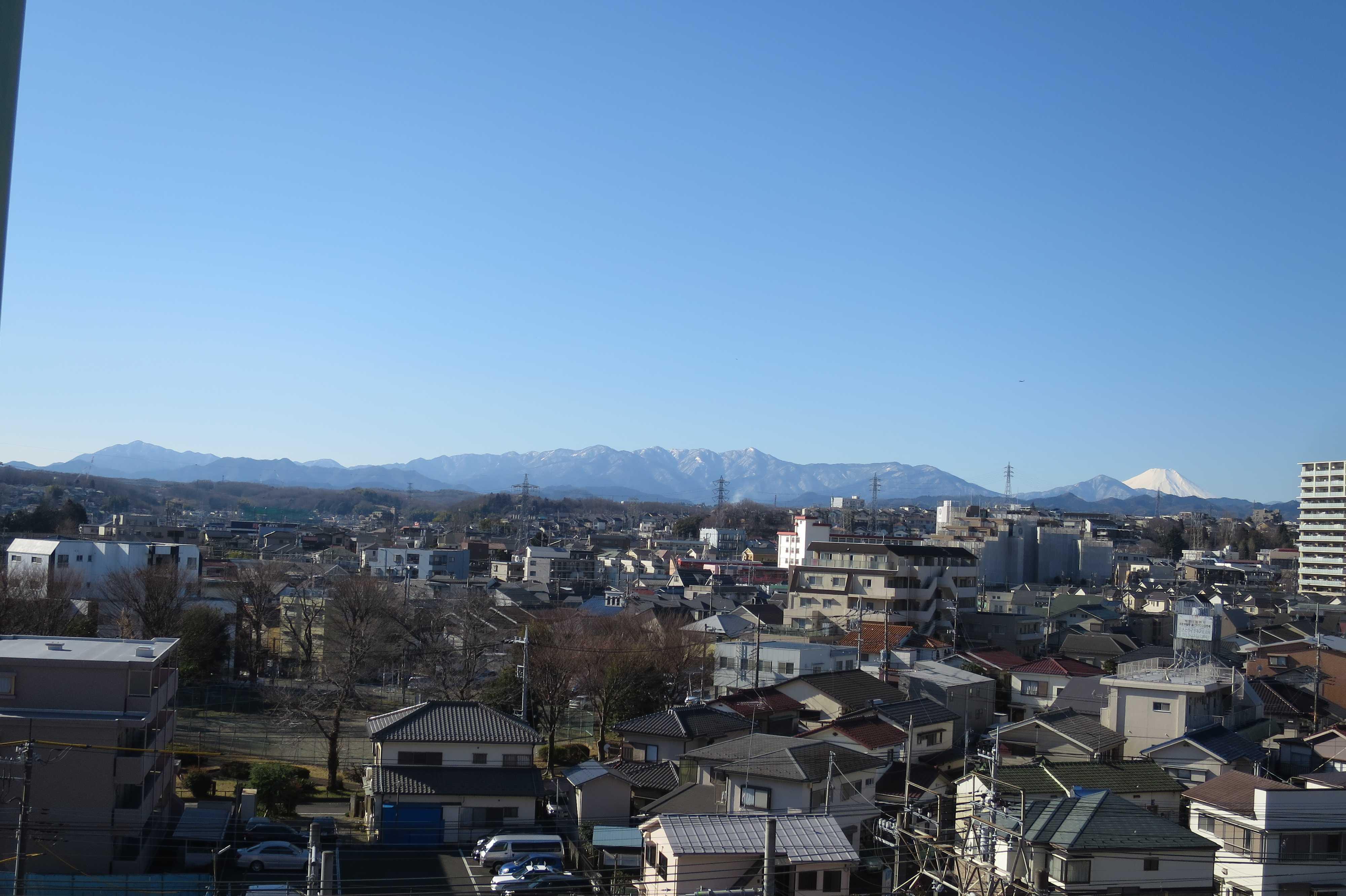 富士山や丹沢山塊が見える眺望ポイント - 八王子市ルームズ大正堂