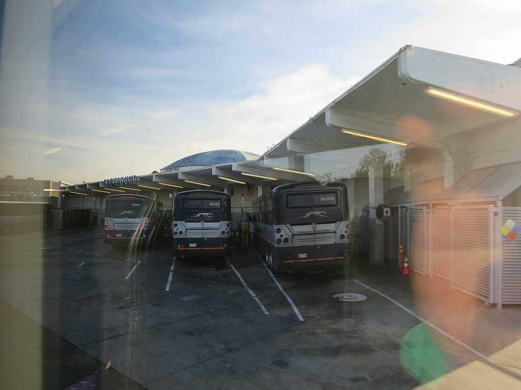 グレイハウンドバス オークランドバスターミナル