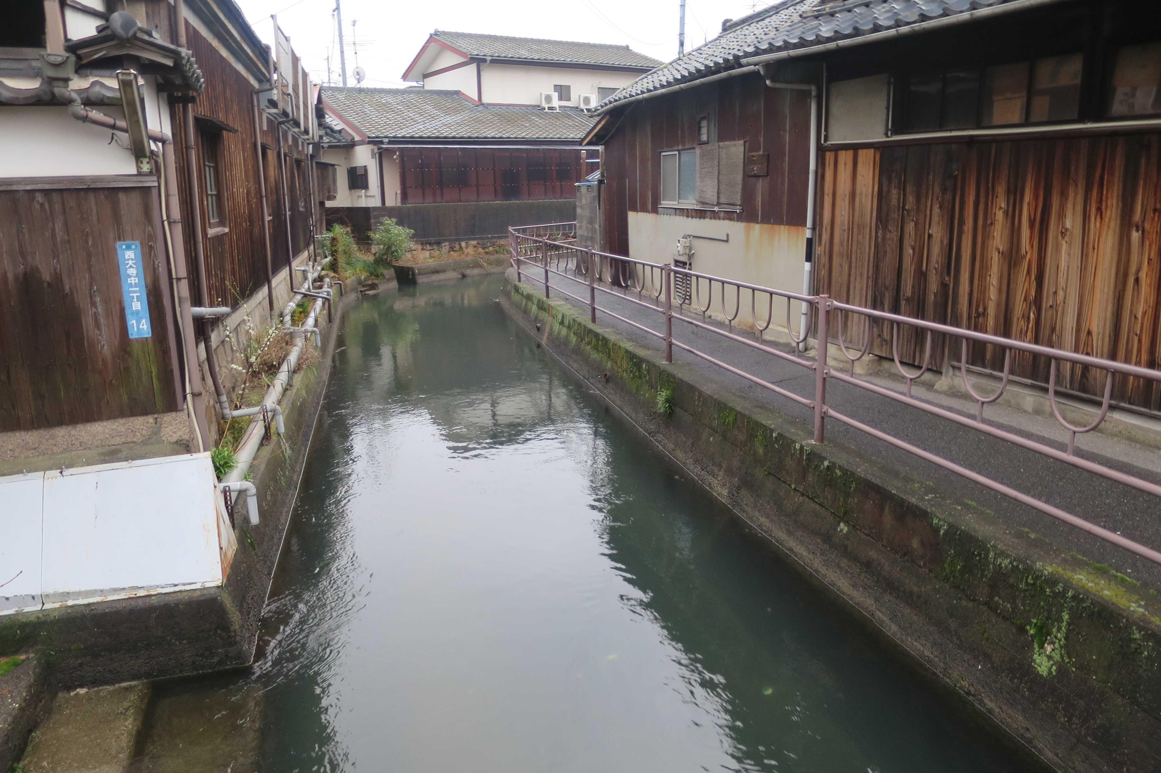 西大寺の水路 - 西川