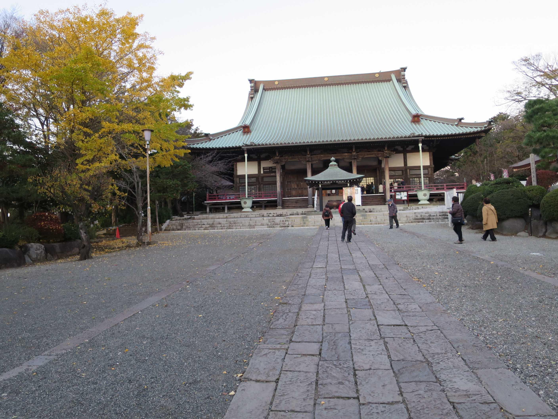 「一ッ火」が行われる遊行寺・本堂