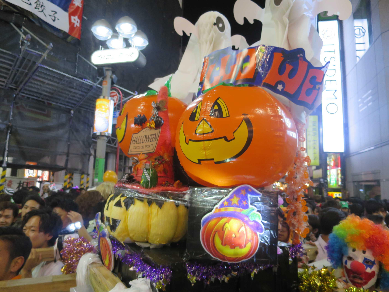 渋谷ハロウィンのかぼちゃ神輿