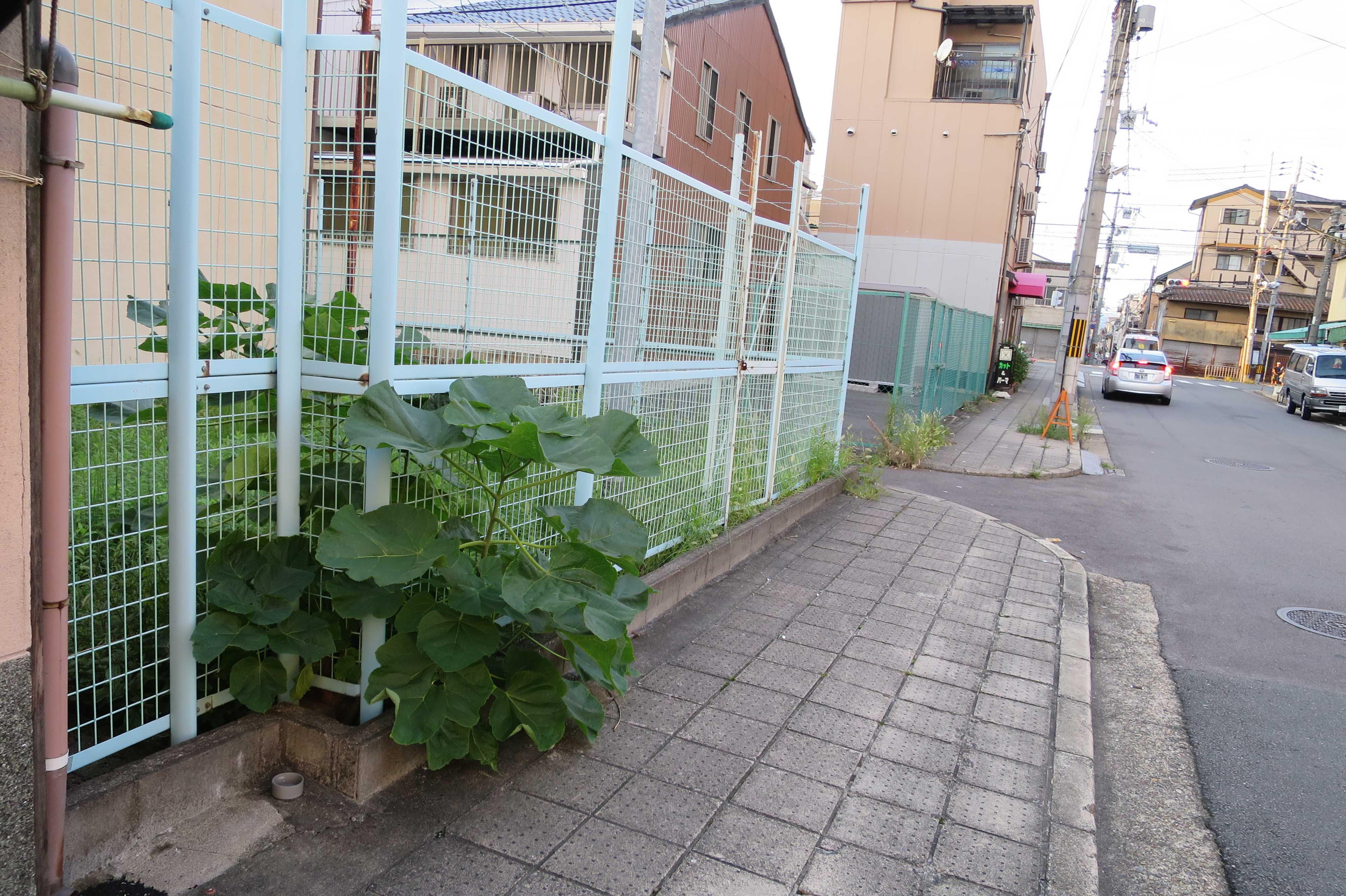 京都・崇仁地区の表通り