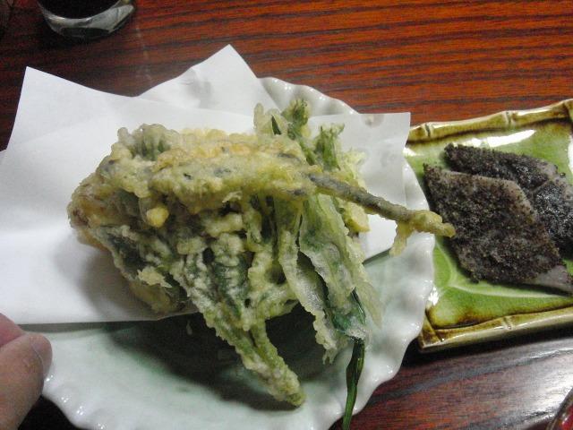 サンショウウオの天ぷら - 吉田屋の夕食