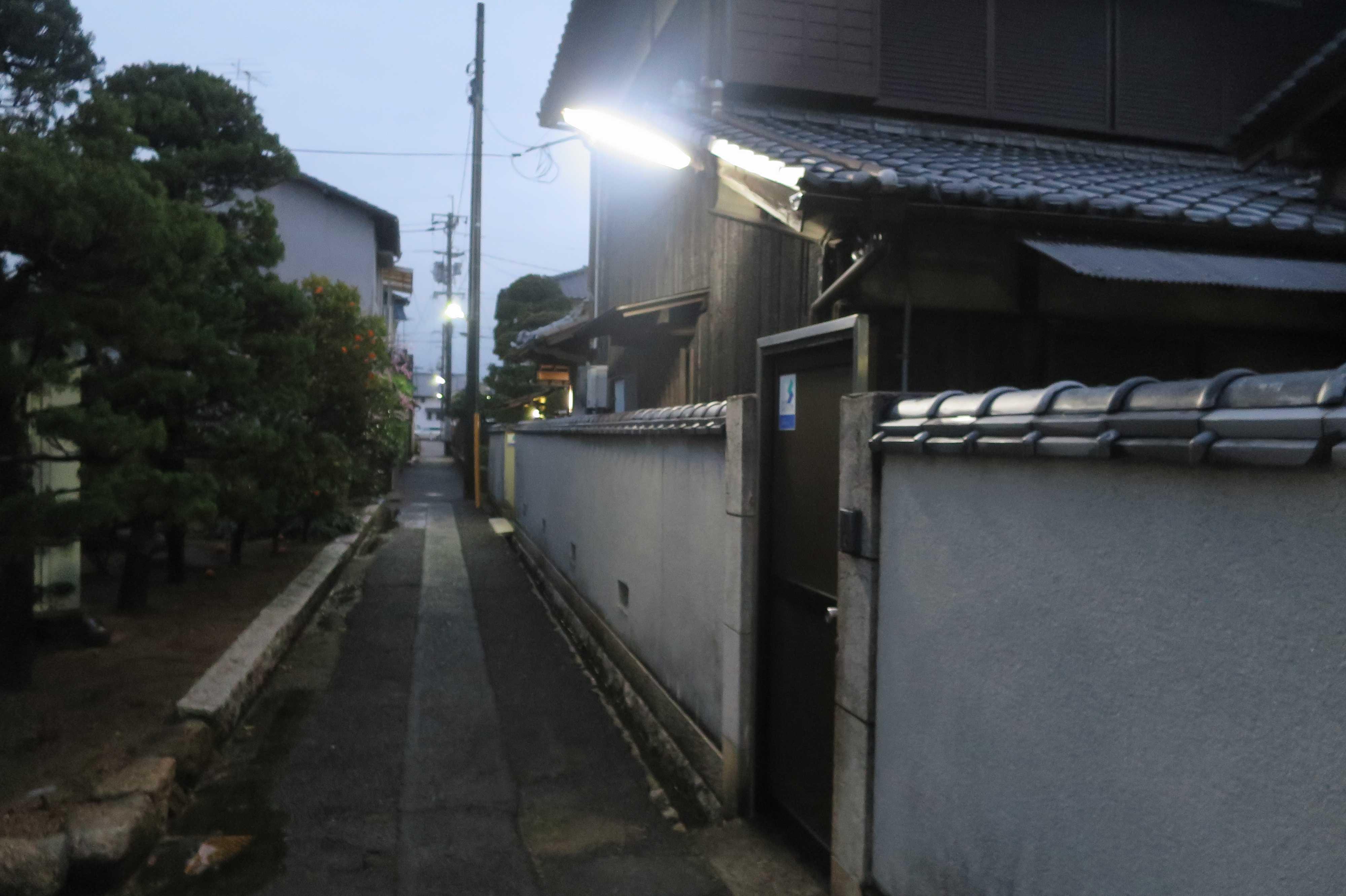 西大寺の狭い路地