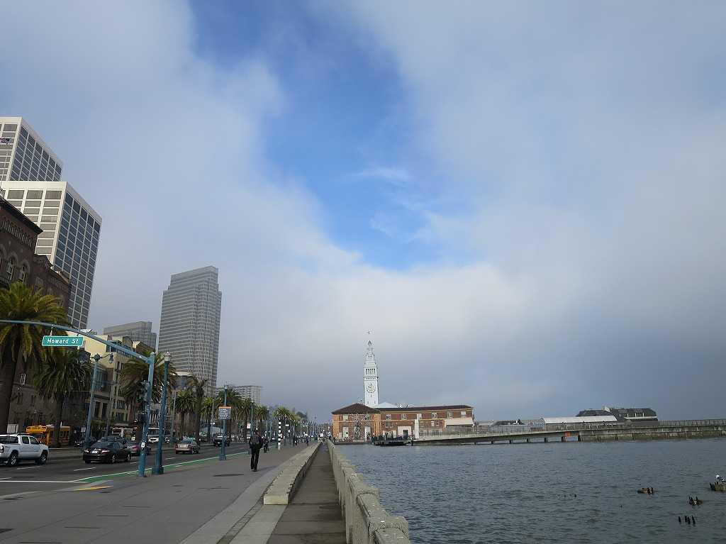 フェリービルティングの時計塔