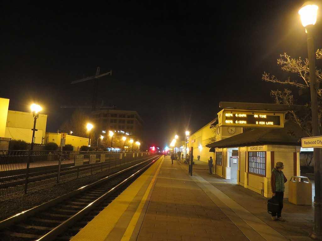 カルトレインの駅「レッドウッドシティ駅」