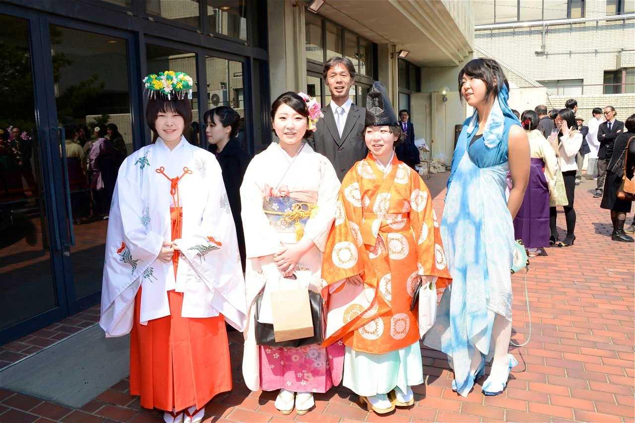 京芸の学部卒業式並びに大学院学位記授与式