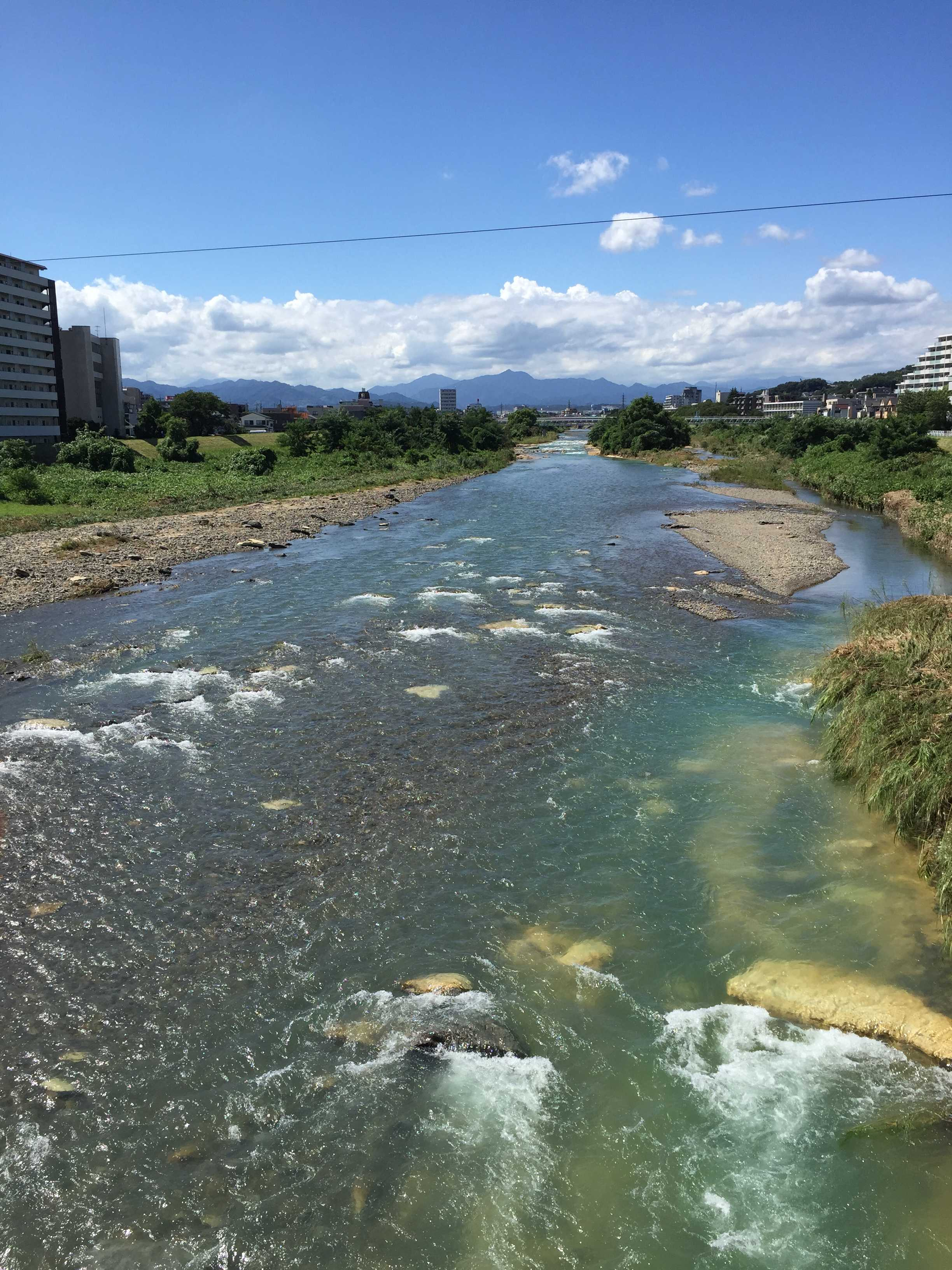 東京都八王子市 夏の浅川