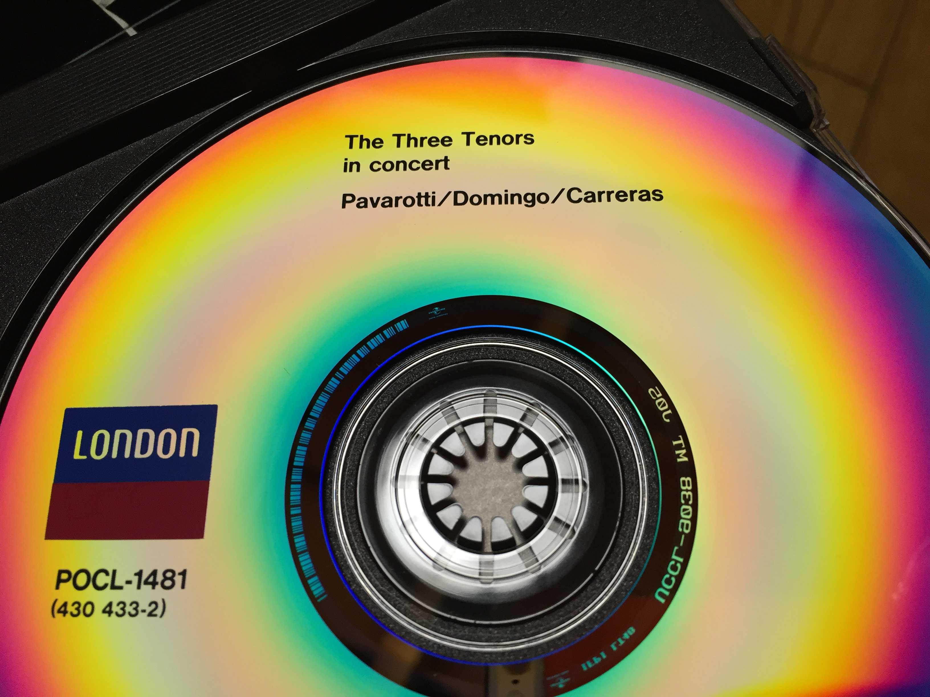 POCL-1481: The Three Tenors in concert - Pavarotti / Domingo / Carreras