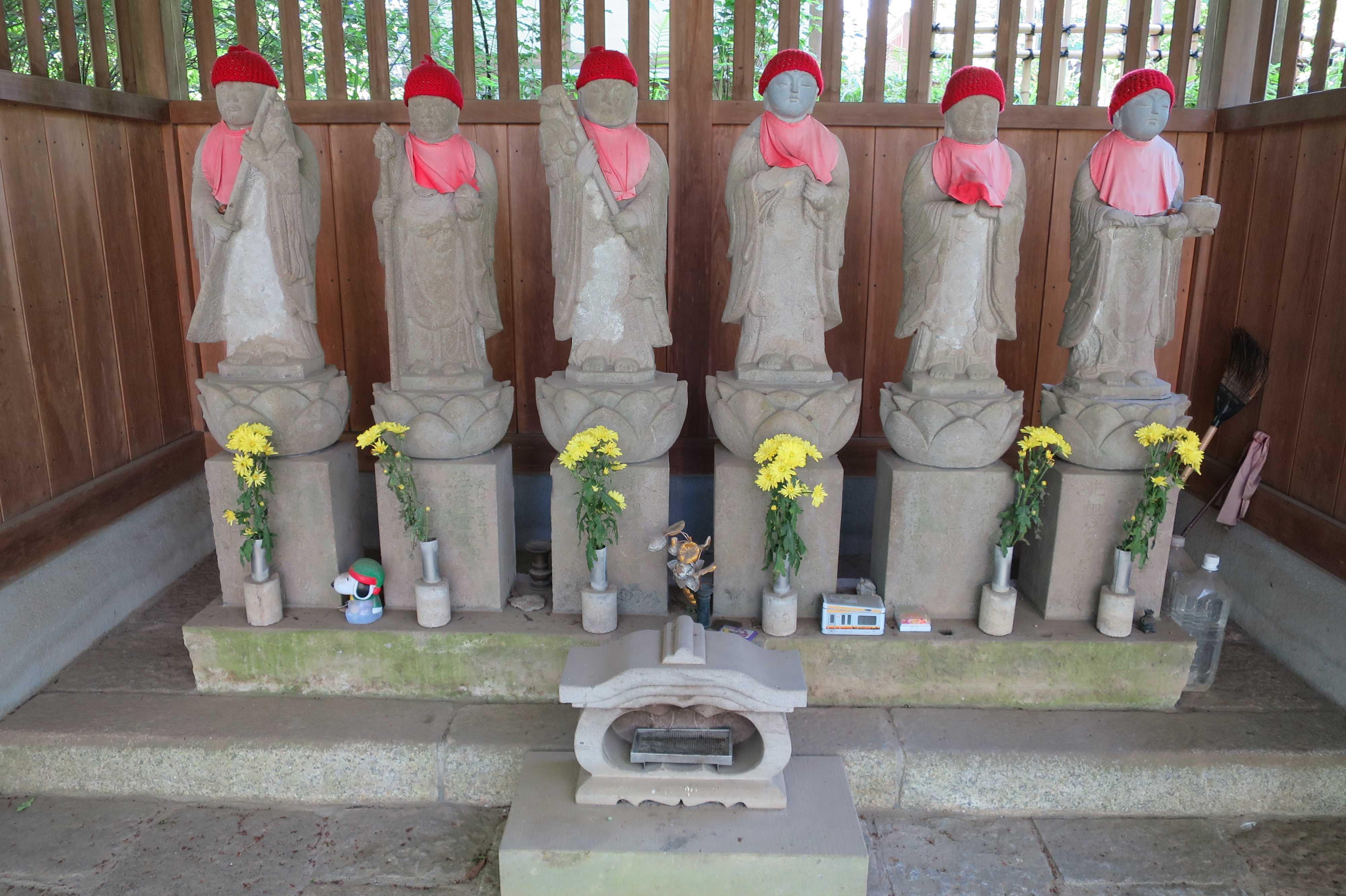 王禅寺境内のお地蔵さん