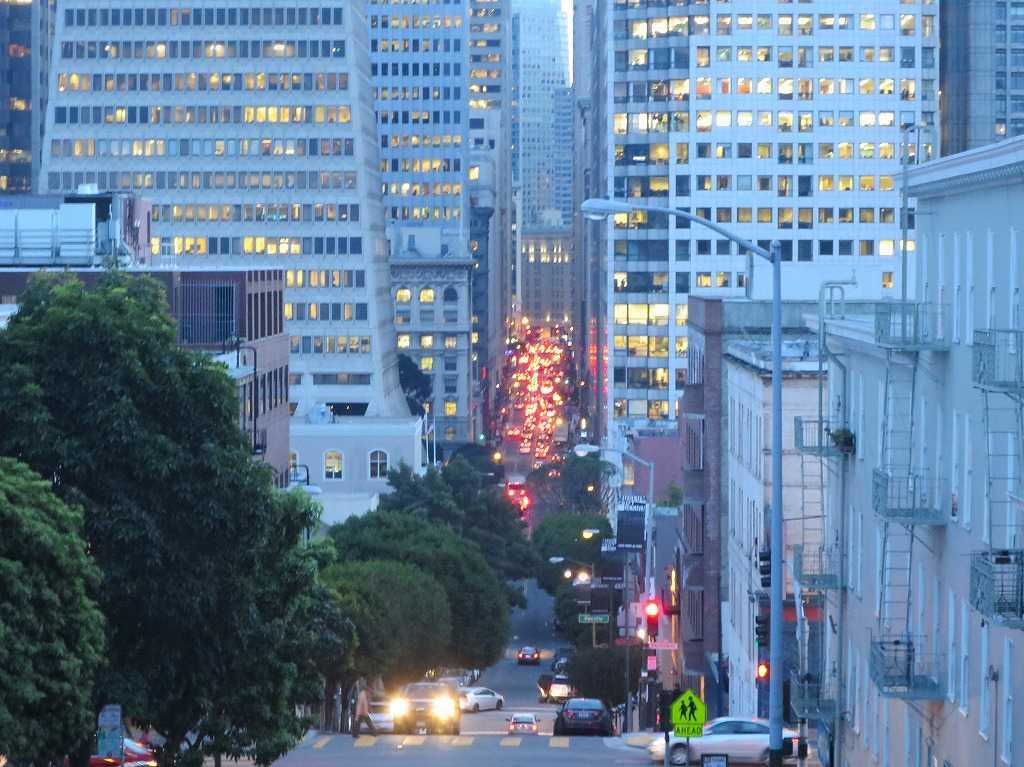 黄昏時の美しいサンフランシスコ