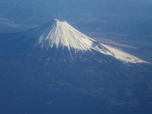 白雪に覆われた富士山