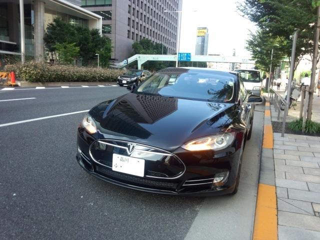 テスラモーターズ・モデル Sの外観(前面)