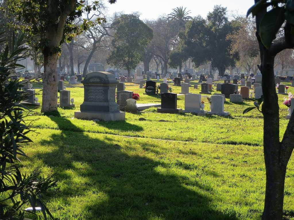 サンノゼ郊外 - ホーム・オブ・ピース墓地
