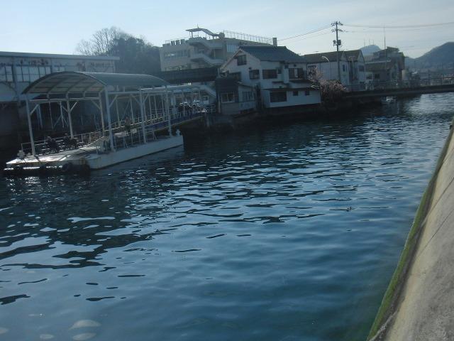 向島・富浜港旅客船ターミナル