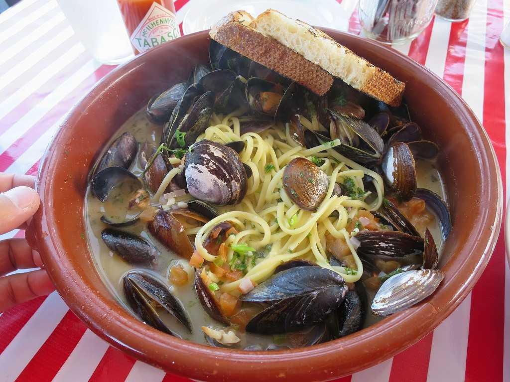 あさりとムール貝のパスタ(Clams Mussels Pasta)