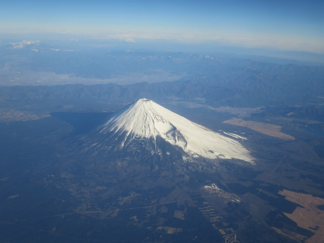 左右対称型に整った富士山の形