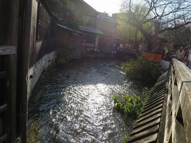 光り輝く祇園白川