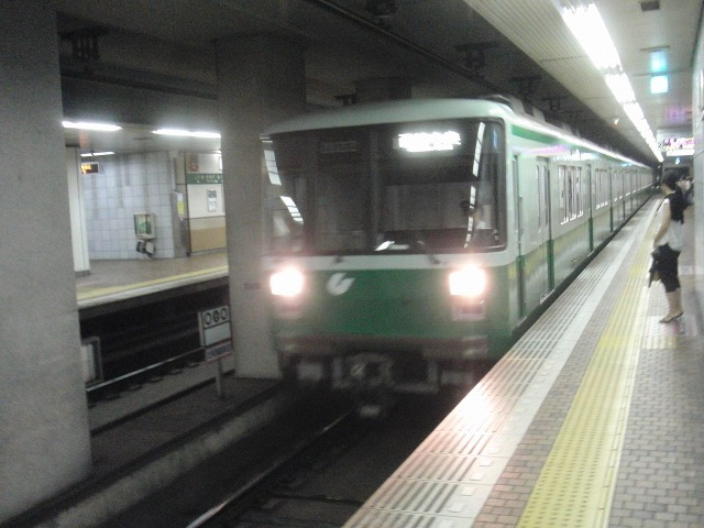 新神戸駅の電車