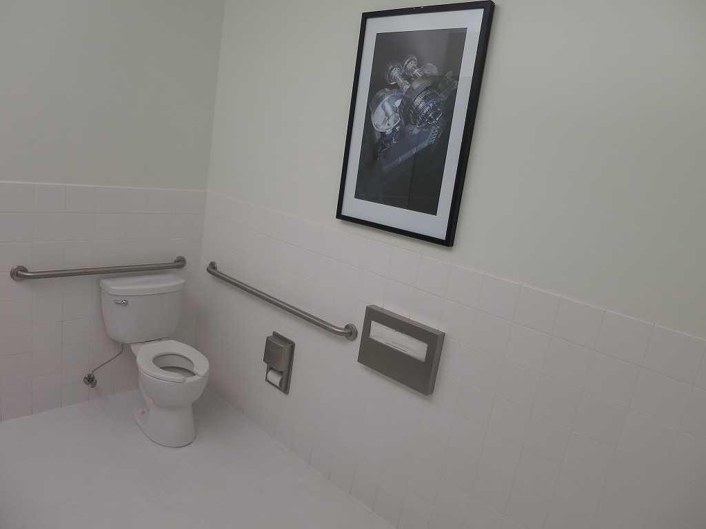 オートデスク・ギャラリーのトイレ