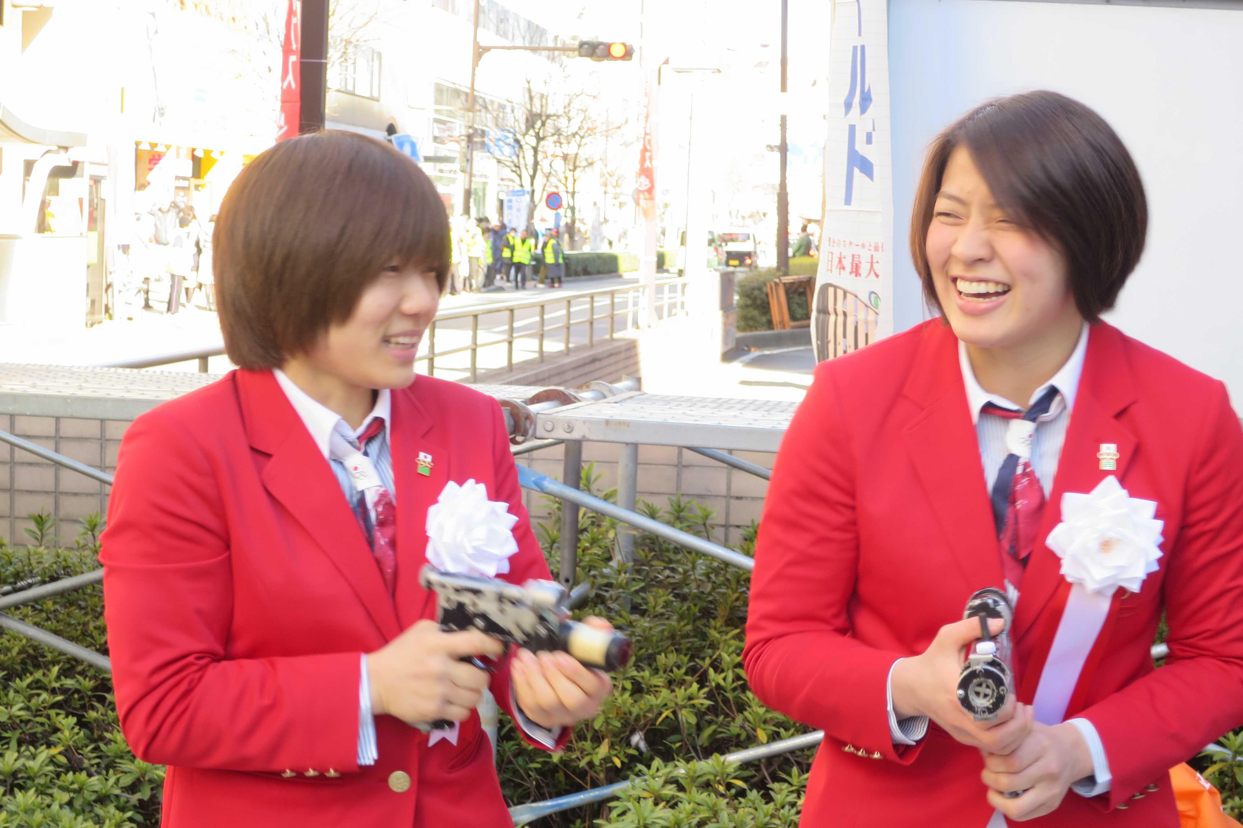 女子柔道選手 - 中村美里選手と田代未来選手の写真