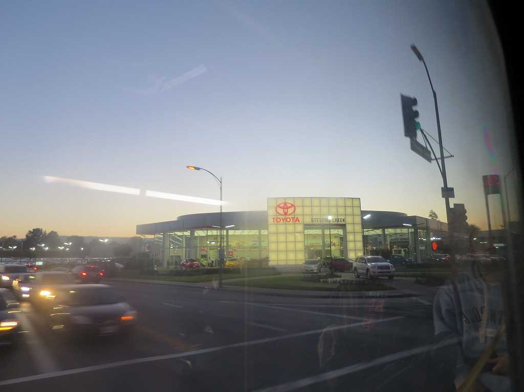 サンノゼ - バスの車窓から見えた TOYOTA(トヨタ)