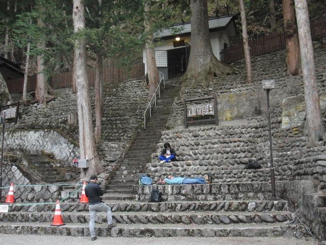 檜枝岐歌舞伎の舞台の客席(石段)