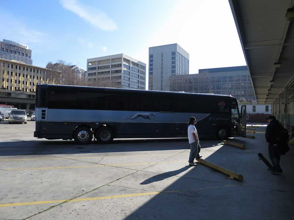 グレイハウンドの長距離バス