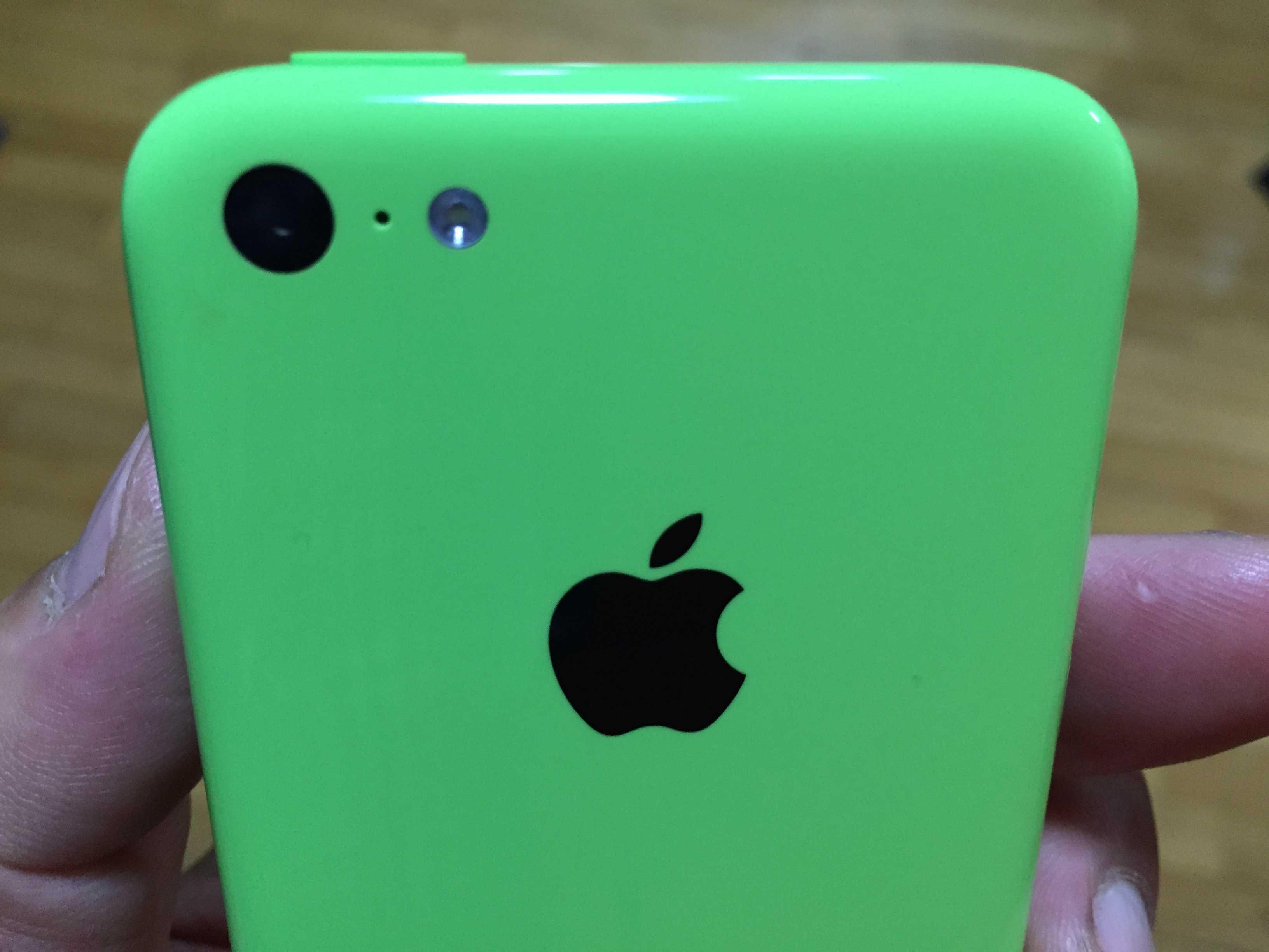 緑の iPhone 5c